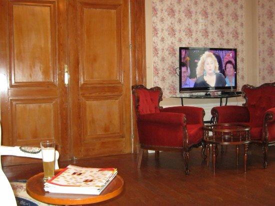 Aire-sur-la-Lys, Франция: lobby - bar