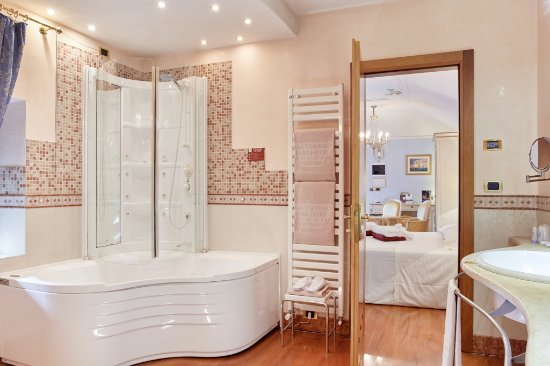 bagno mini suite - Picture of Villa Quaranta Tommasi Wine Hotel ...