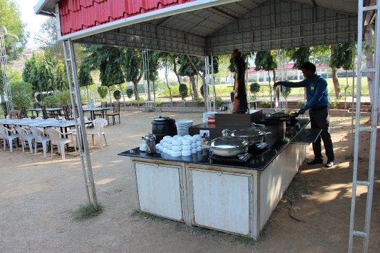 Narnaul, India: Buffett