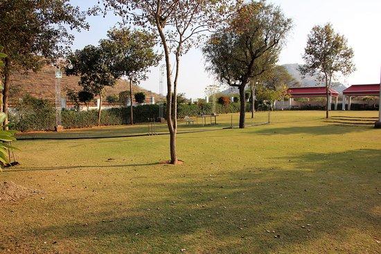 Narnaul, India: Blick in den Garten