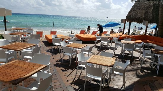The Carmen Hotel: Keel Restaurant on the Beach