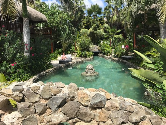 Van der Valk Kontiki Beach Resort: The cottage, garden and salt water pool perfectly integrated