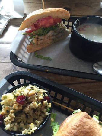 Photo of American Restaurant Local Foods at 2424 Dunstan Rd, Houston, TX 77005, United States