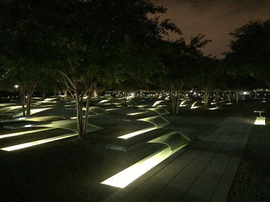 Pentagon Memorial : Solemn