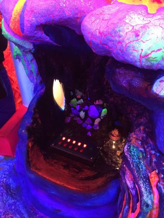 Electric Ladyland - the First Museum of Fluorescent Art: photo2.jpg
