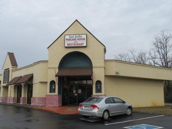 Farragut, เทนเนสซี: Exterior - Don Delfi's Pancake House & Restaurant