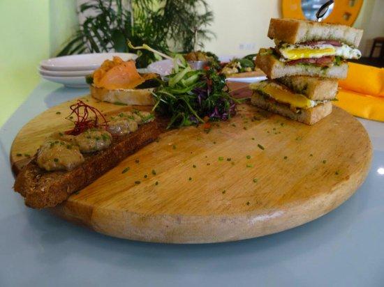 Cupecoy Bay, St. Maarten-St. Martin: Special: Sandwich sampler