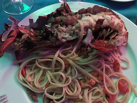 Shana By The Beach, Hotel Residence & Spa: Lobster with Pasta