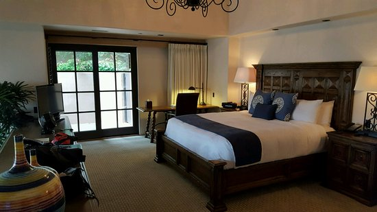 Rancho Valencia: Love love love this room and cozy bed!