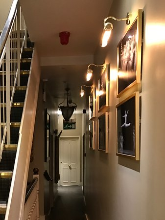 The Fielding Hotel : Stairs To Upper Floors But Help Offered With Luggage