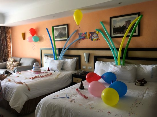 Child birthday decorations Picture of Sandos Playacar Beach