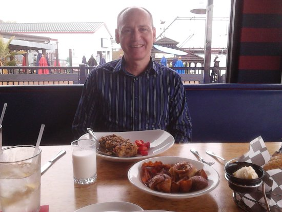 Wormleysburg, PA: Best Sunday brunch in the Harrisburg area for sure at a great price and a gorgeous view!