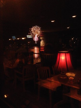 Wormleysburg, Pensilvania: Perfect place to watch the fireworks over a romantic dinner!