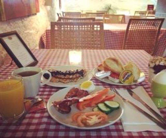 Sjoglott Hotel: Frokost / Breakfast