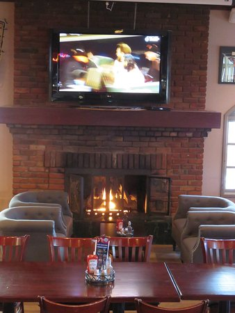 Delta, Canada: new seating area around working fireplace, so warm and cosy