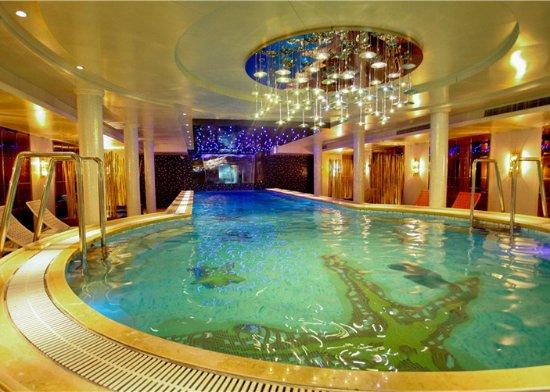 Yichang, China: Yangtze Cruise Ship -- Swimming pool