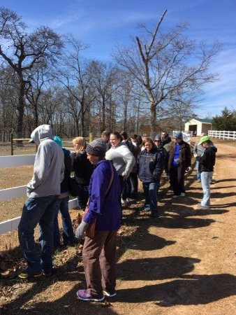 Warm Springs, GA: Visitors on a tour