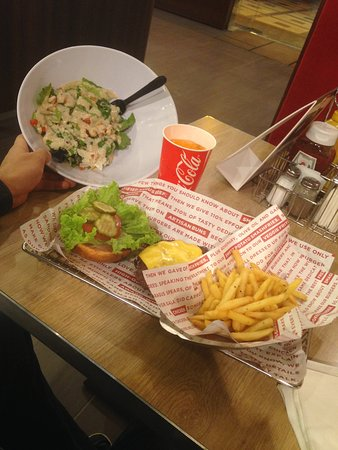 Photo of American Restaurant Smash Burger riyadh at Prince Sulatan Street & Olaya Intersection Next To Al Faisaliah Mall, Riyadh, Saudi Arabia