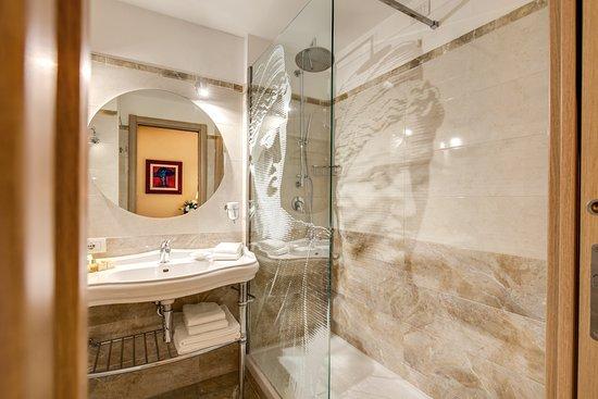Rome 55: bagno deluxe cam.grande