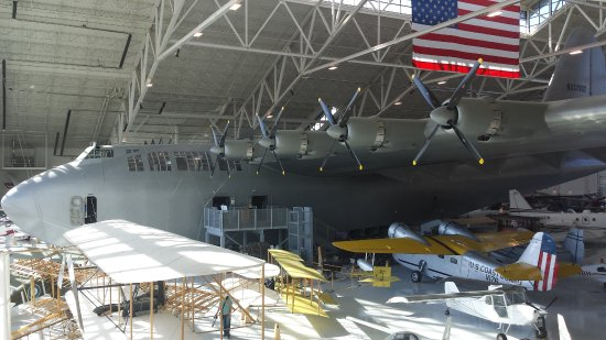 McMinnville, OR: The Spruce Goose!