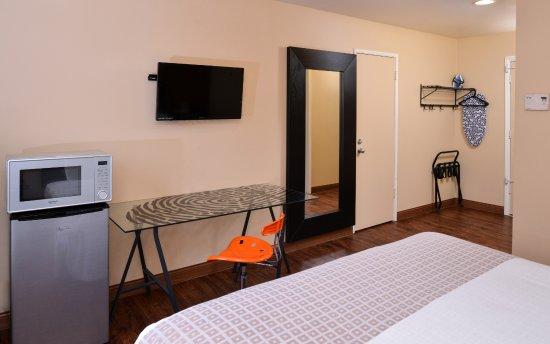 Americas Best Value Inn - Madison: King Size Room