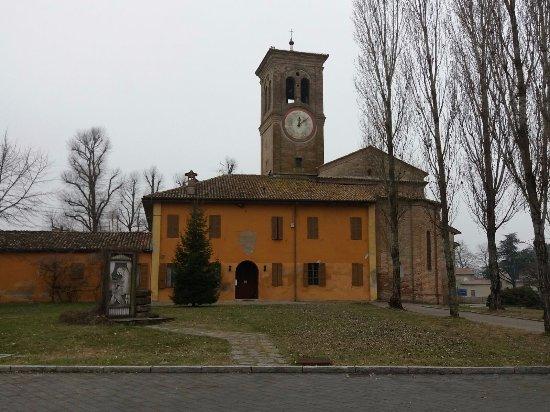 Busseto, Italy: Retro della chiesa
