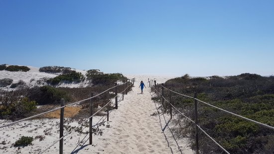 Table View, Южная Африка: The path from the hotel to the beach