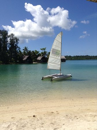 Holiday Inn Resort Vanuatu: sailing on lagoon