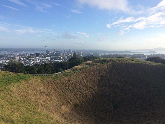 Mount Eden: photo0.jpg