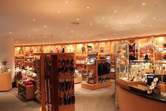 Astounding gift shop - Picture of National Museum of the American ...