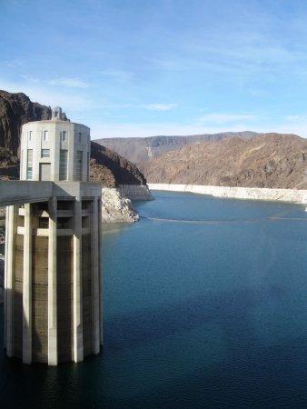 Hoover Dam: 内部ツアーがおすすめ