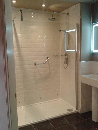 Brodick, UK: Great Shower