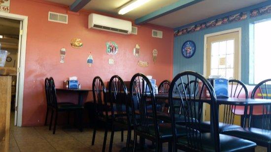 Lebanon, MO: Restaurant Interior