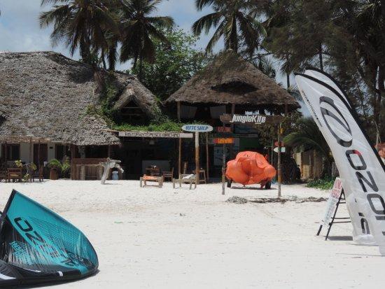 Kiwengwa, แทนซาเนีย: ristorante visto dalla spiaggia