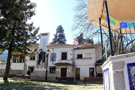 Museu de Aguarela de Alfredo Roque Gameiro