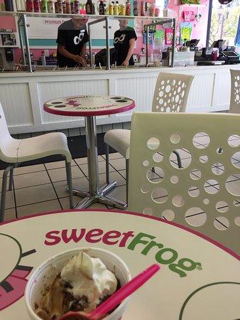 Camarillo, Californien: sweet Frog Frozen Yogurt
