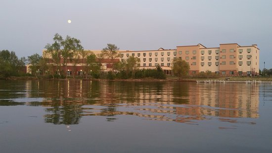Bemidji, MN : View of Hotel from Lake