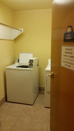 Days Inn Pryor: Coin operated laundry facility with soap and fabric softener vending