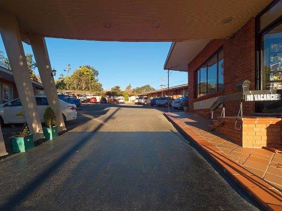 3 Sisters Motel: Motel entrance