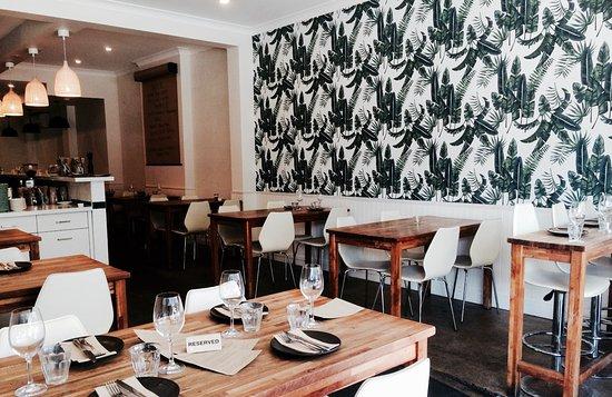 Coogee, Australia: Tables set for dinner!