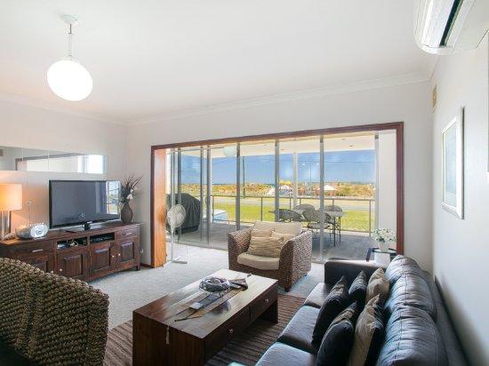 Rockingham Beach Road Villas by Rockingham Apartments