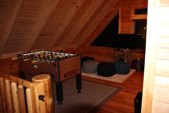 Cabins by the Caves: Loft