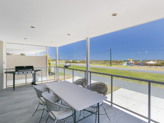 Rockingham Beach Rd Villas by Rockingham Apartments