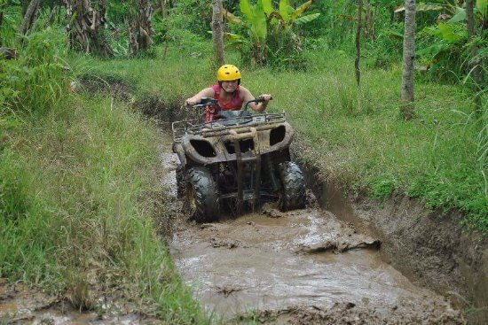 Kerobokan, Indonesia: Dorris Tee & kids from Singapore at Pertiwi ATV - January 2017