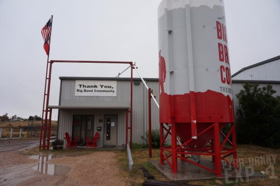 Alpine, TX: Entrance to the tasting area and tours
