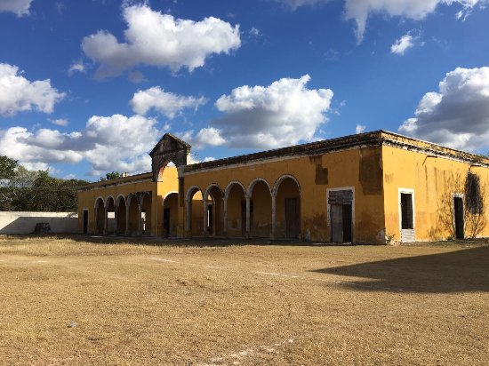 Celestun, Mexico: Old Mansion house of a former Sisal Baron before the world started making rope out of plastic in