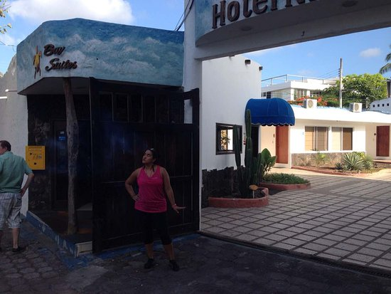 Hotel Ninfa: image-0-02-01-fd3b7cc4339a43c1a7ad9ce42fcd0c48555ad1fad132f4bec6410a39149217b3-V_large.jpg