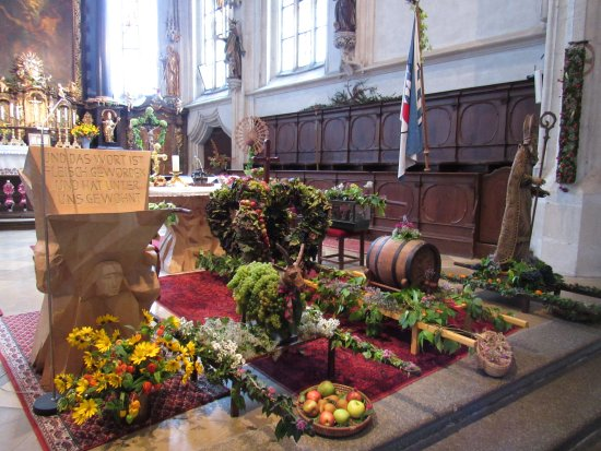Wachau Valley : Sanctuary of St. Maurice in Spitz decorated with local agriculture products