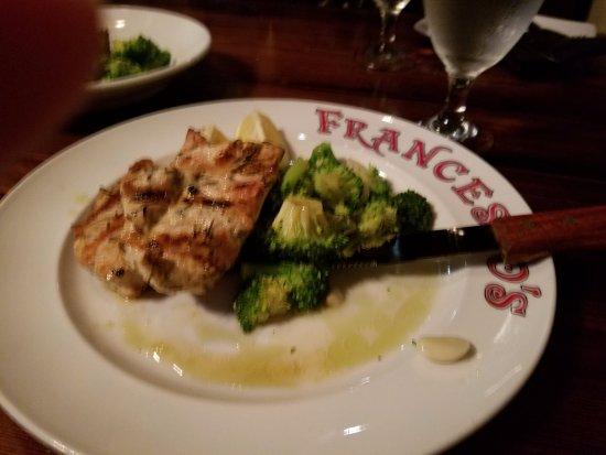 Мейтленд, Флорида: Gluten free chicken dish with broccoli