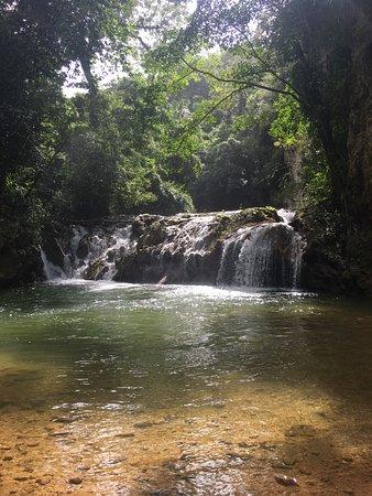 Santa Barbara de Samana, Republik Dominika: The waterfall a short walk from the ziplines